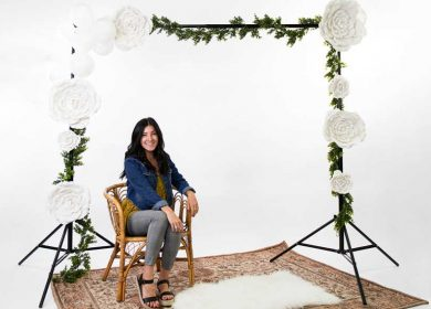 Method to make a party backdrop stand