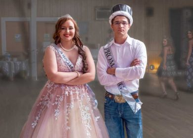 How is prom king and queen chosen?